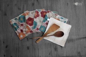Lot de 5 feuilles d'essuie tout lavables en éponge de coton écolabellisé – Fleurs vintage – avec ou sans boutons pressions