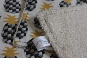 Lot de 5 feuilles d'essuie tout lavables en éponge de coton écolabellisé – Ananas noir – avec ou sans boutons pressions