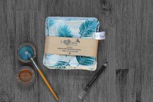 Lot de 5 lingettes démaquillantes lavables en micro éponge de coton écolabellisé – Plumes bleues