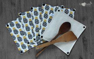 Lot de 5 feuilles d'essuie tout lavables en nid d'abeilles de coton écolabellisé – Ananas noir – avec boutons pression