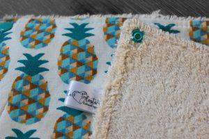 Lot de 5 feuilles d'essuie tout lavables en éponge de coton écolabellisé – ananas bleu – avec boutons pressions