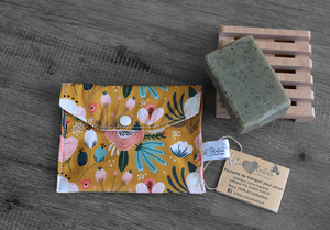 Pochette savon – ocre fleuri rose