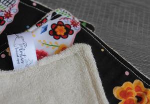 Lot de 5 lingettes démaquillantes lavables en micro éponge de coton écolabellisé – Skulls