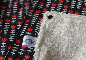 Lot de 5 feuilles d'essuie tout lavables en éponge de coton écolabellisé – tulipes sur fond noir – avec boutons pression