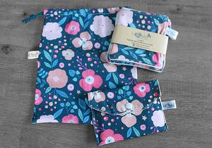 Coffret cadeau salle de bain – Bleu gris fleuri rose